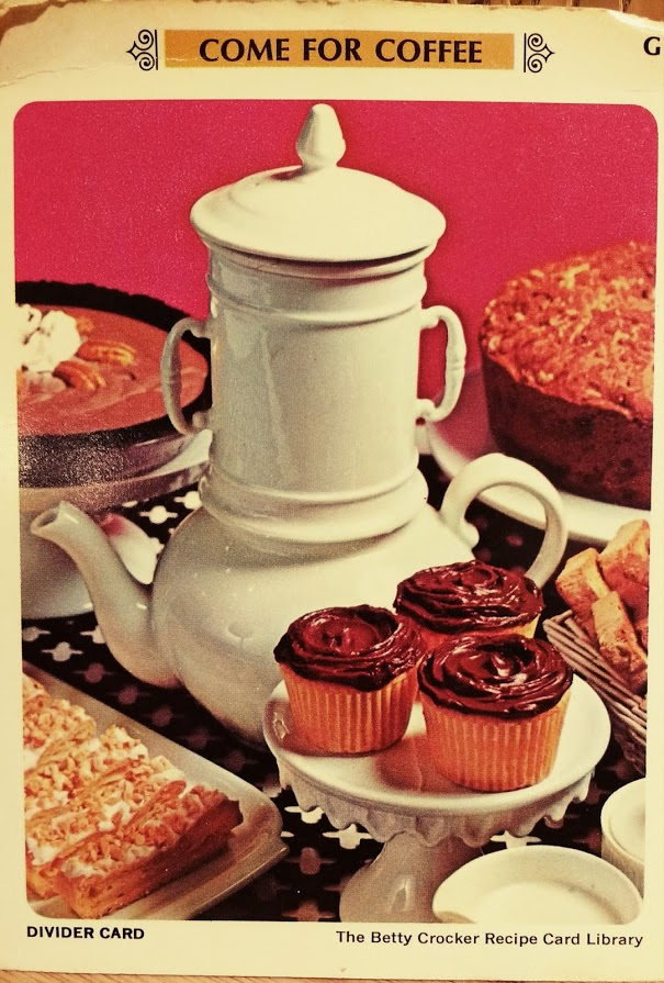 Urn with cakes